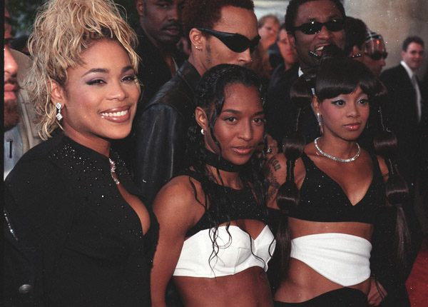 Left Eye Open Casket Pictures Lisa �left eye� lopes solo
