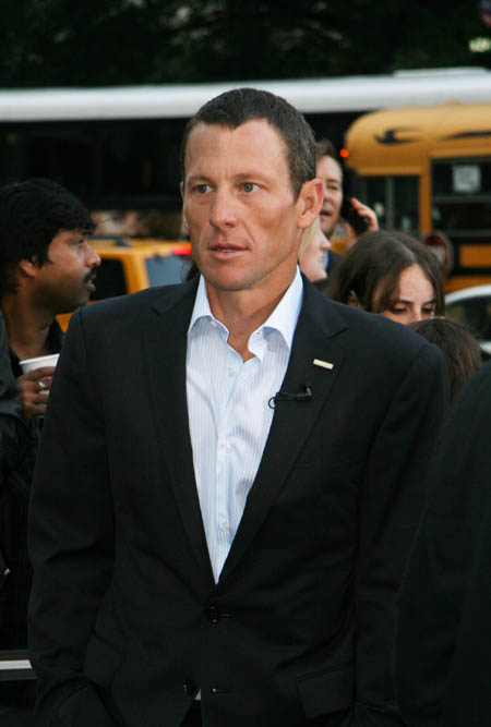wenn5191301 Lance Armstrong has proposed to his pregnant girlfriend, Anna Hansen.