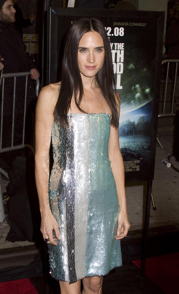 Jennifer Connelly just lost a whole bunch of weight, which had some sources