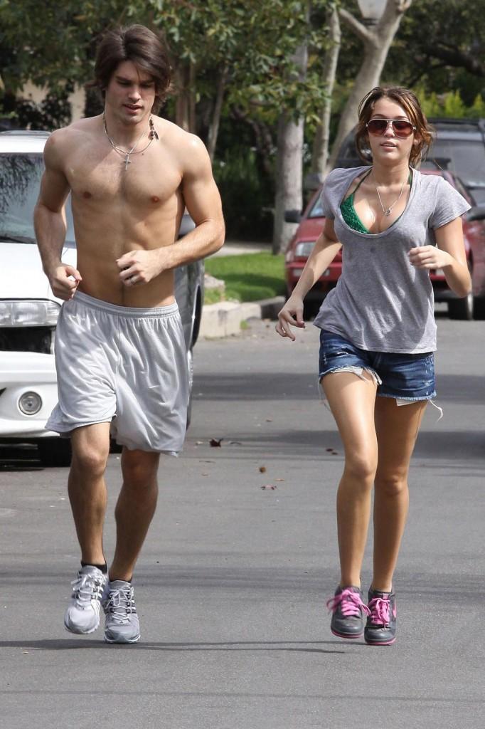 Miley cyrus bikini jog