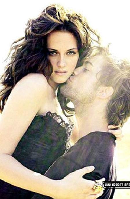 pics of kristen stewart and robert pattinson kissing. were of Robert Pattinson
