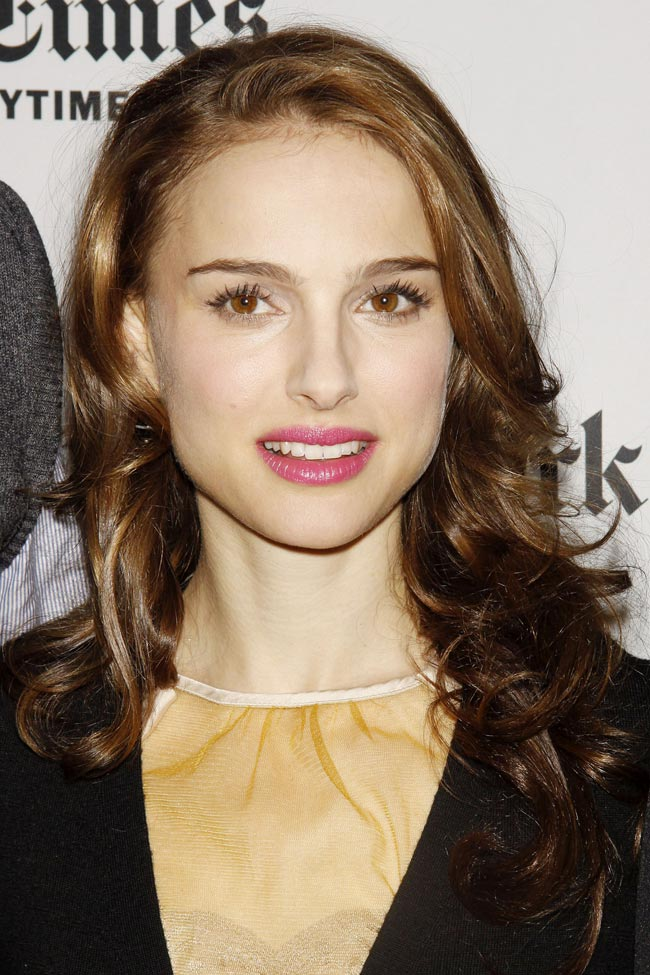 natalie portman boyfriend. Natalie Portman is shown on
