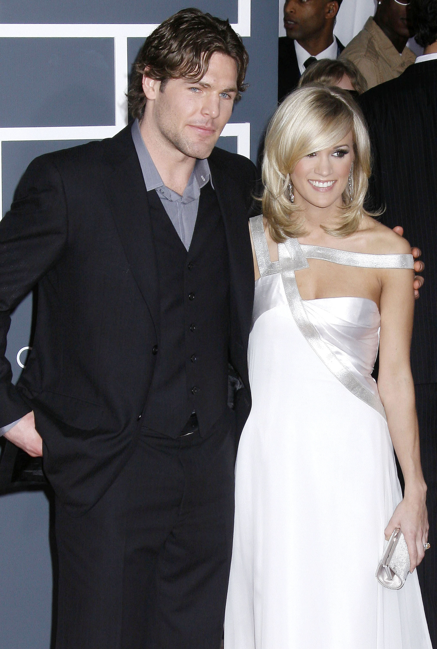 Cele bitchy john krasinski emily blunt carrie for Who is carrie underwood married too