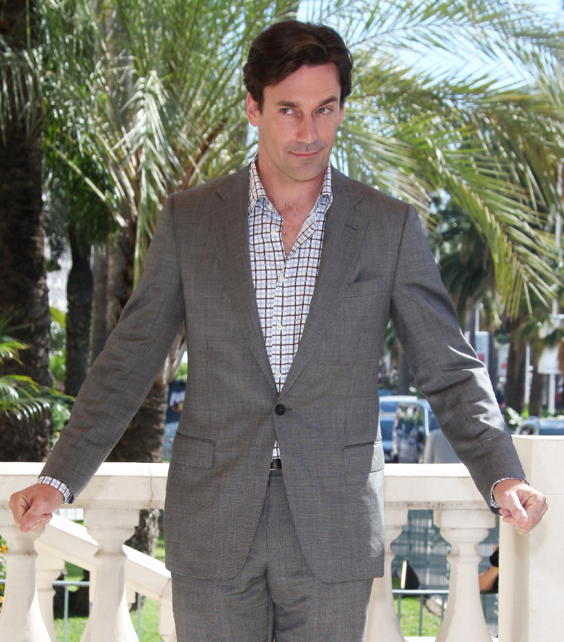 Jon Hamm loves to let his junk swing & his lack of underwear is