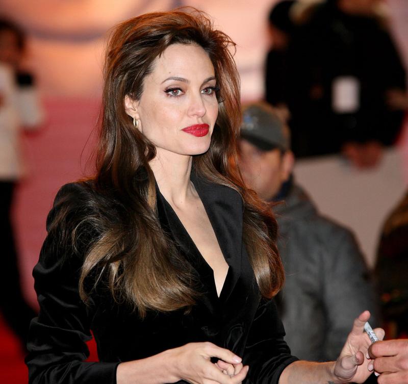 Cele|bitchy | Angelina Jolie's big hair, red lips, velvet jacket ...