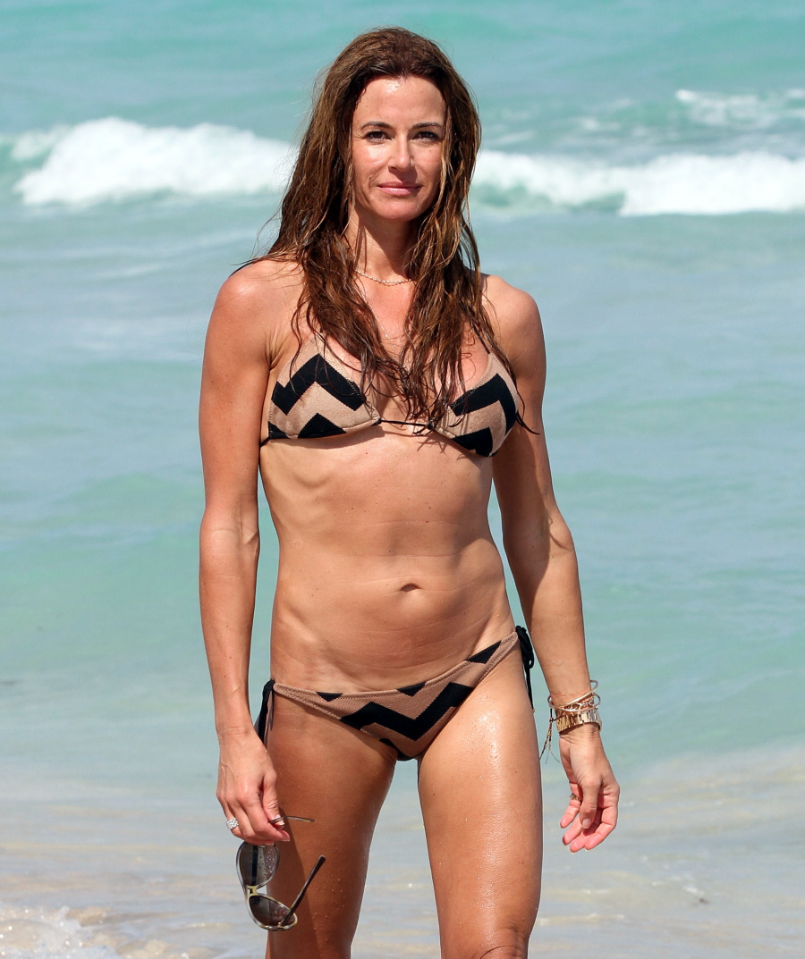 cele bitchy kelly bensimon s new bikini body much improved or still scary. Black Bedroom Furniture Sets. Home Design Ideas