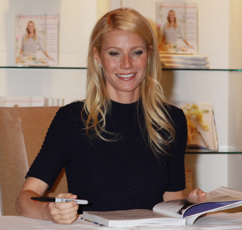 fp_7165676_paltrow_gwyneth_nyc_08_131