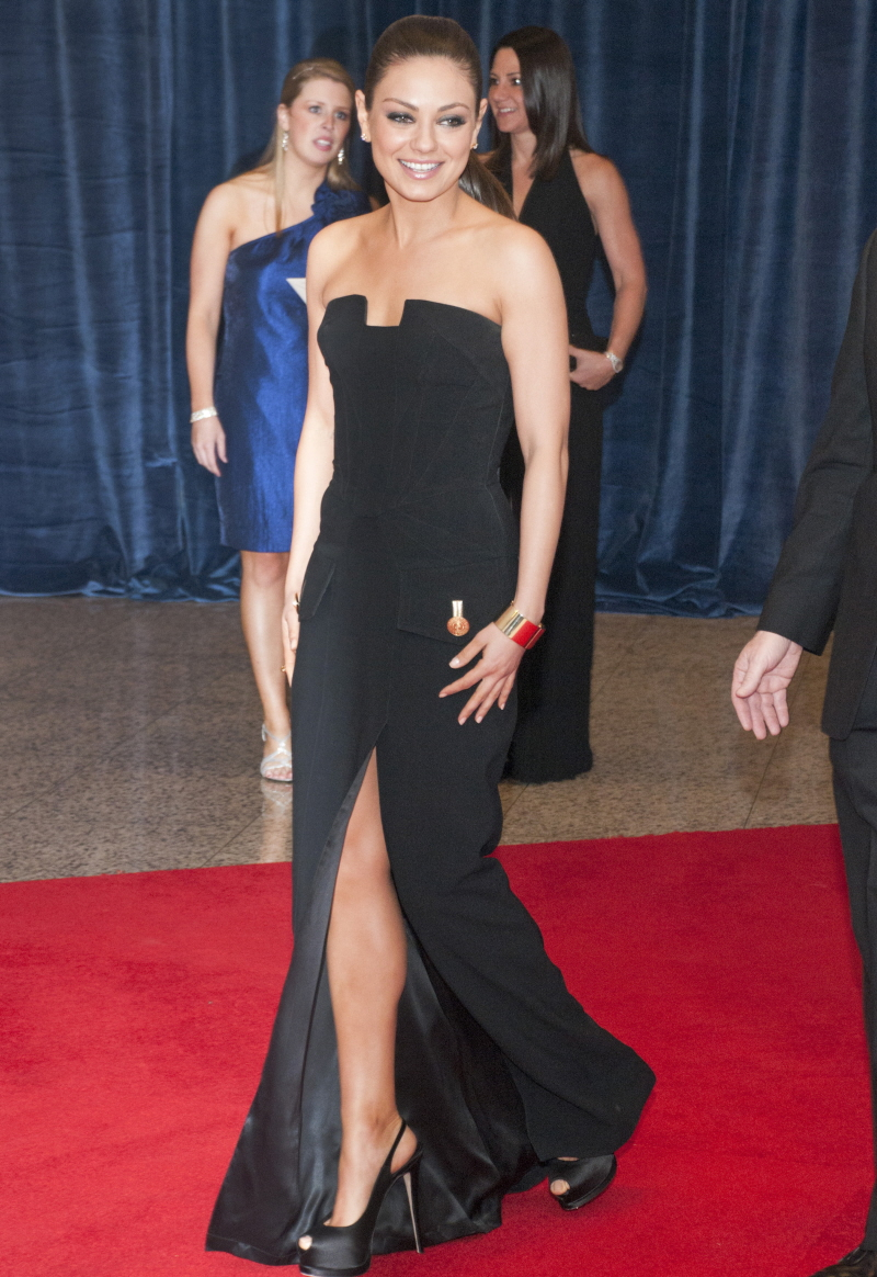 Cele bitchy   Mila Kunis in black, strapless Versace: bombed or ...