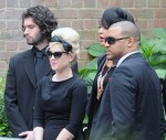 fp_7650861_big_winehouseamy_funeral_14_49