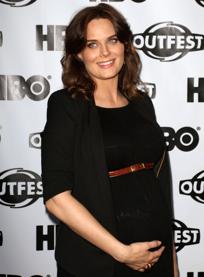 Cele|bitchy | Emily Deschanel is sticking with veganism ...