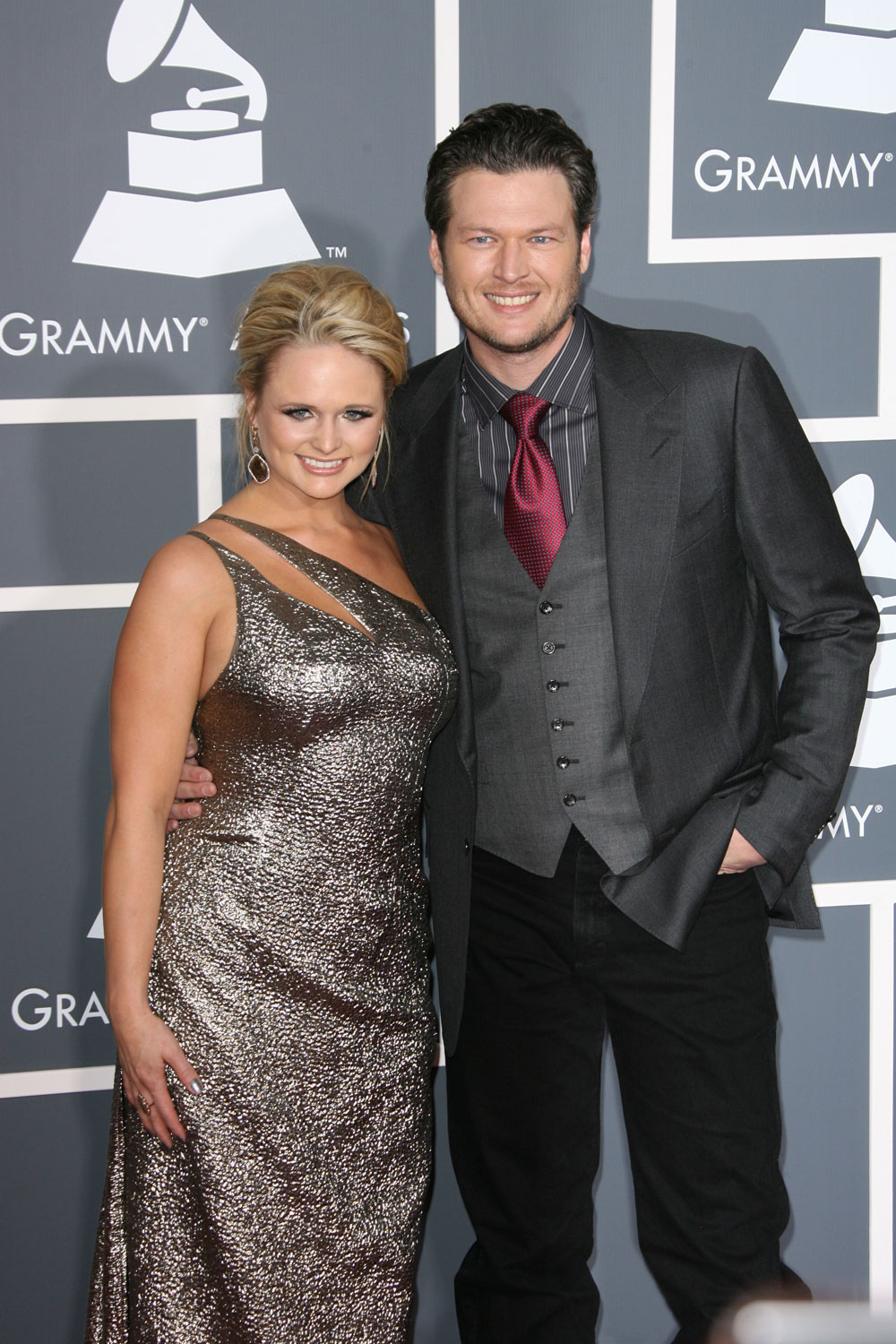 Cele Bitchy Blake Shelton S Ex Wife Is Working As A