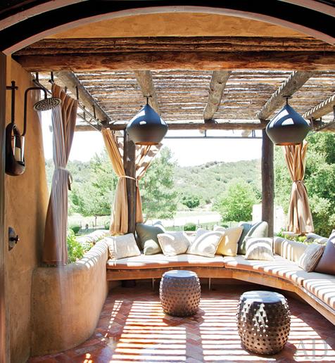 will-jada-pinkett-smith-home-bedroom-ter