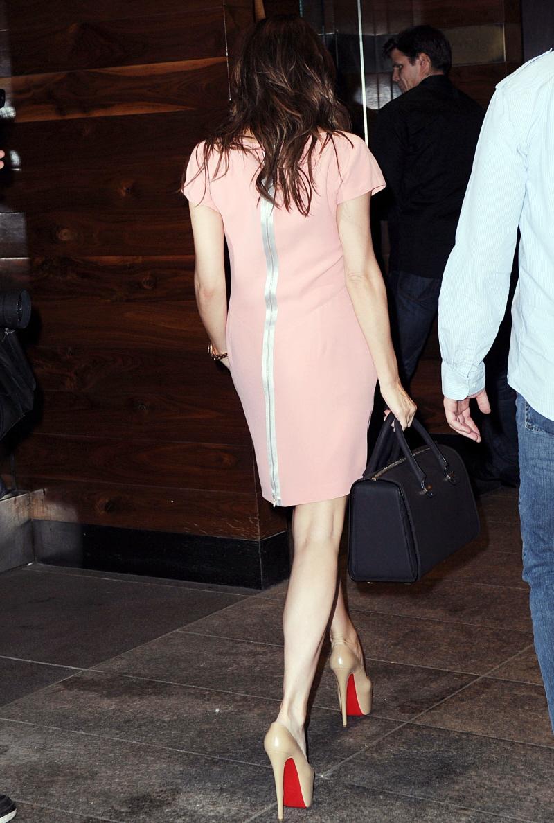 Cele|bitchy | Victoria Beckham wears 7-inch platform heels then