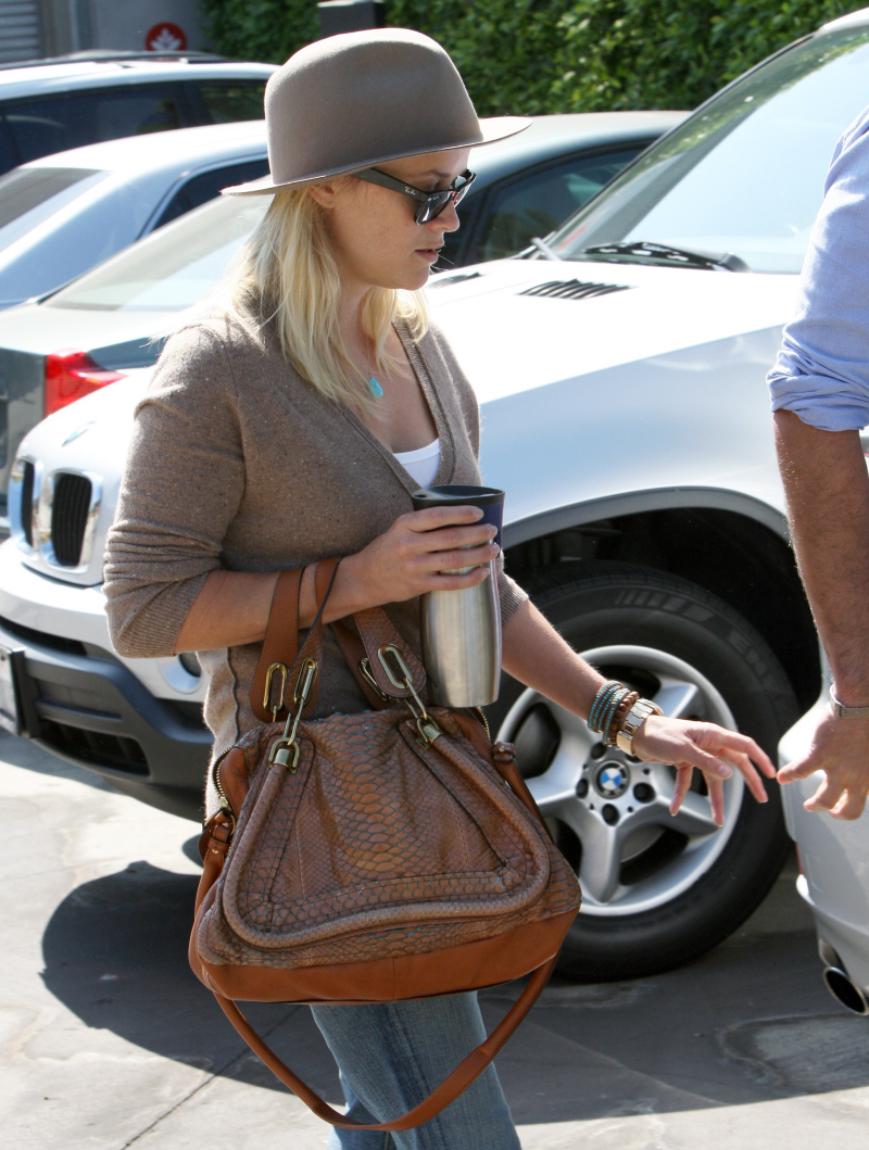 cloe bag - Cele|bitchy | Reese Witherspoon in trouble with PETA for carrying ...