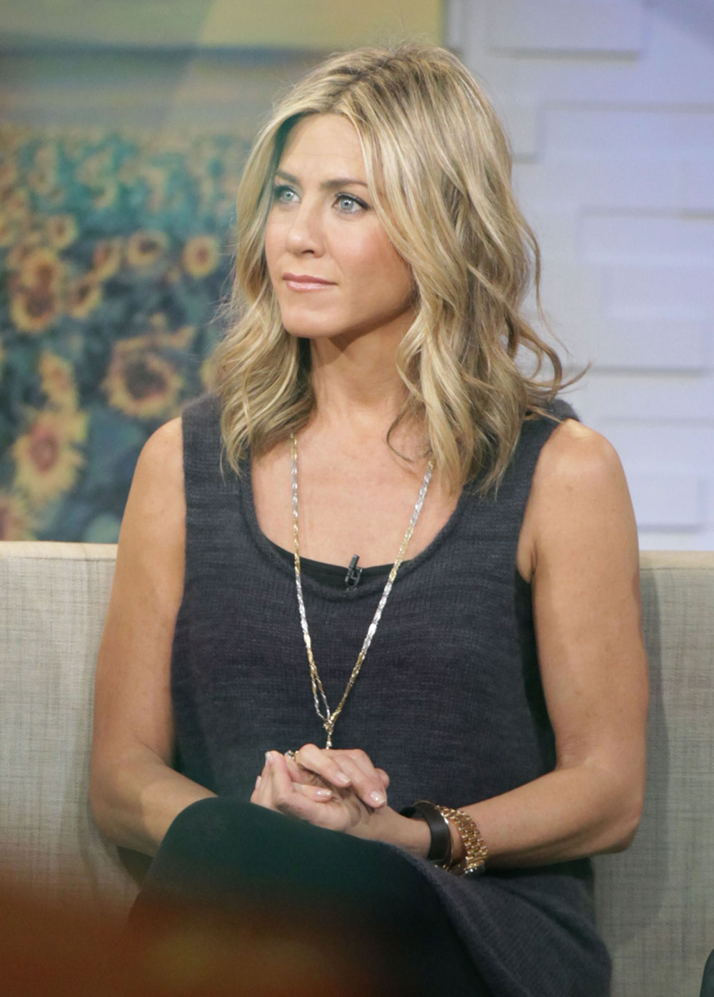 Cele|bitchy | Jennifer Aniston on why she cut her hair: it looked fake ...