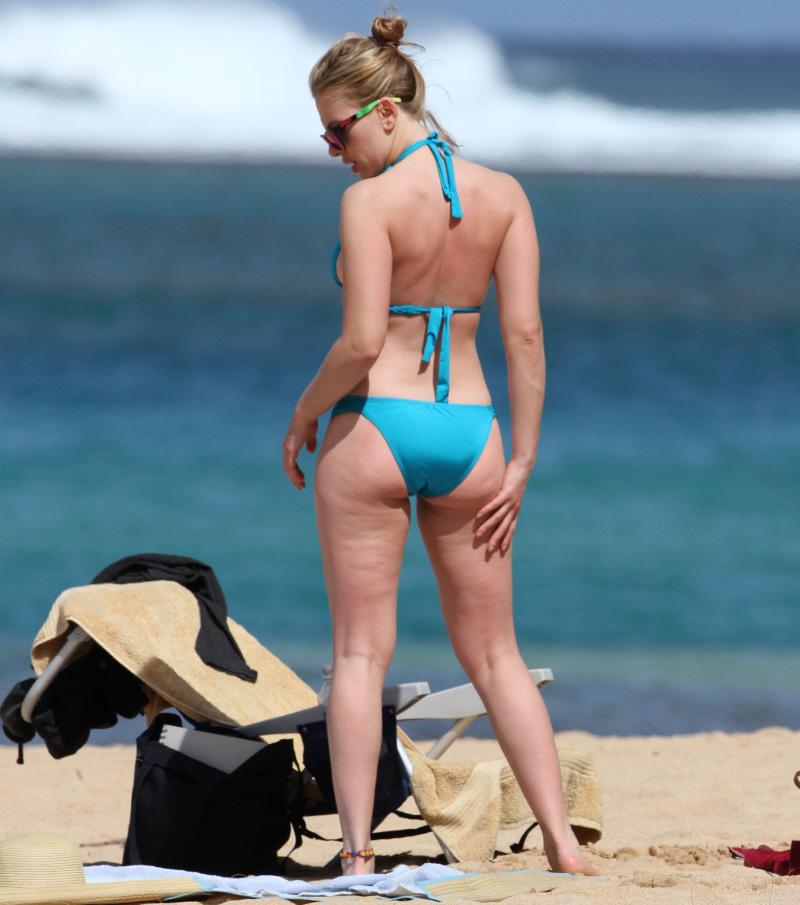 Scarlett johansson bikini rare hot collection in one place