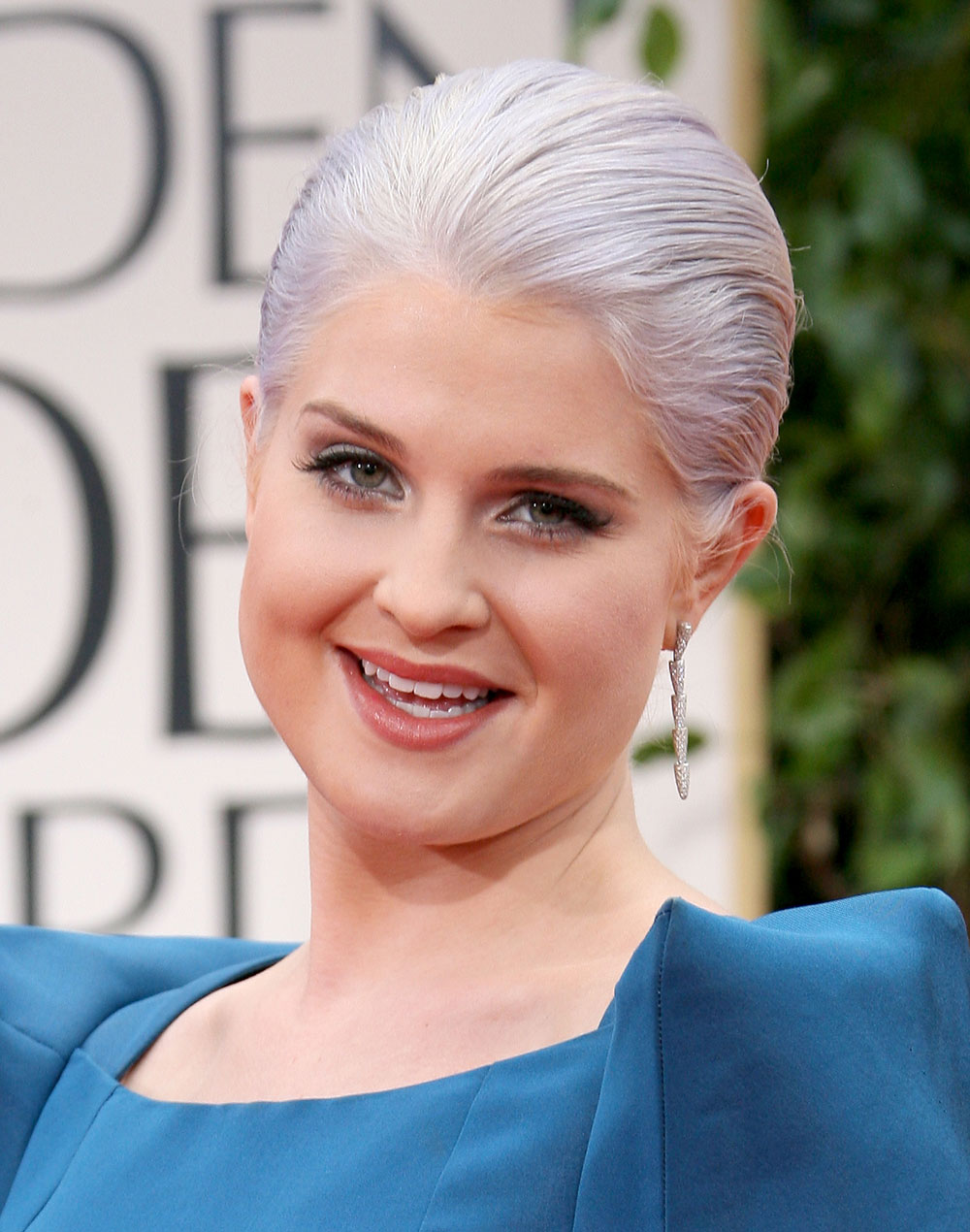 Cele Bitchy Kelly Osbourne Tried Gray Hair Because When