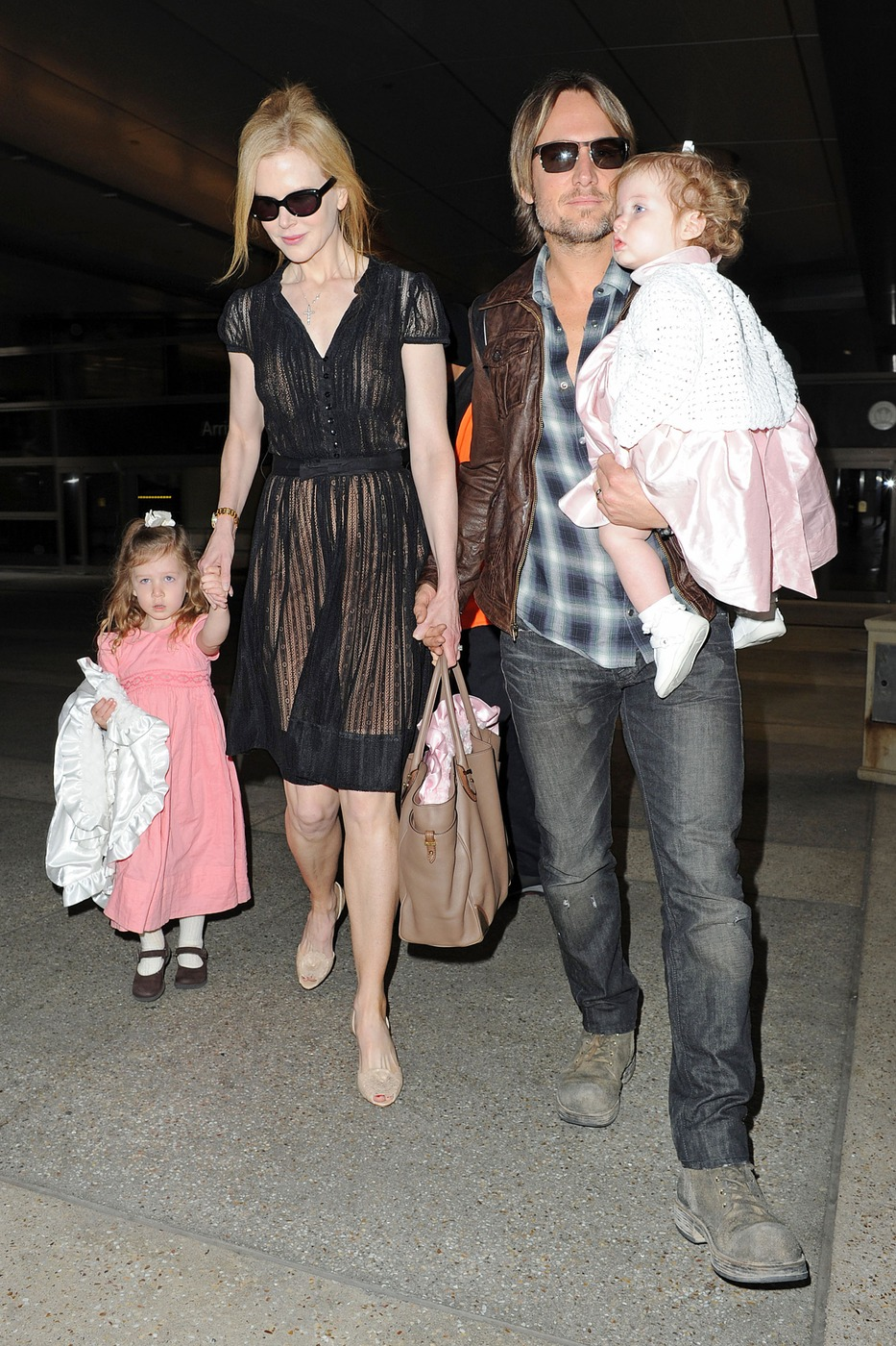 Cele Bitchy Nicole Kidman And Keith Urban Arrive At Lax