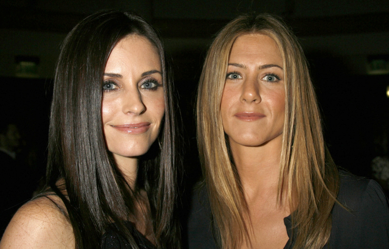 courtney cox blowjob Jennifer Aniston Arrives in LA While Justin Theroux Cruises .