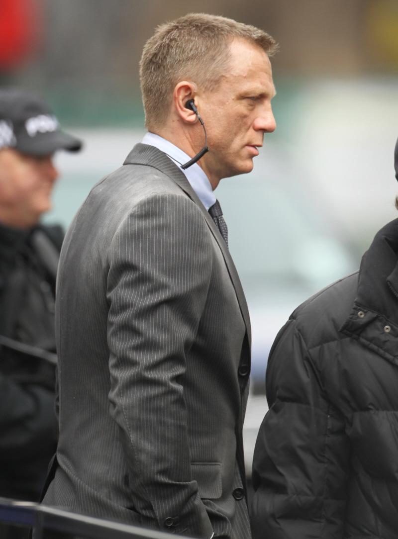 Haircut On Bonds : Pin Daniel Craig Haircuts on Pinterest