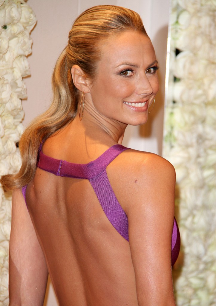 FFN_RIJ_QVC_PARTY_SET1_022312jpg_8804142