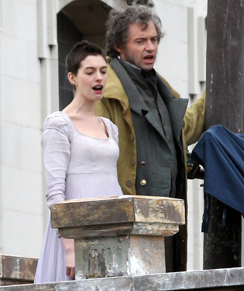 Anne Hathaway Singing Les Miserables Video: Anne Hathaway Sings In The First 'Les