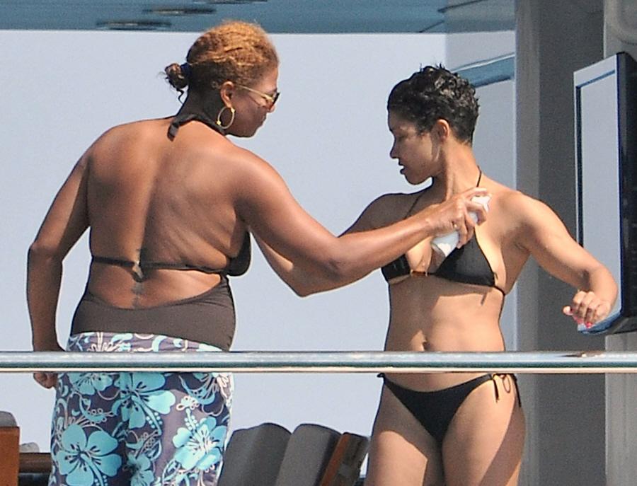 Queen Latifah Girlfriend 2012 Images & Pictures - Becuo
