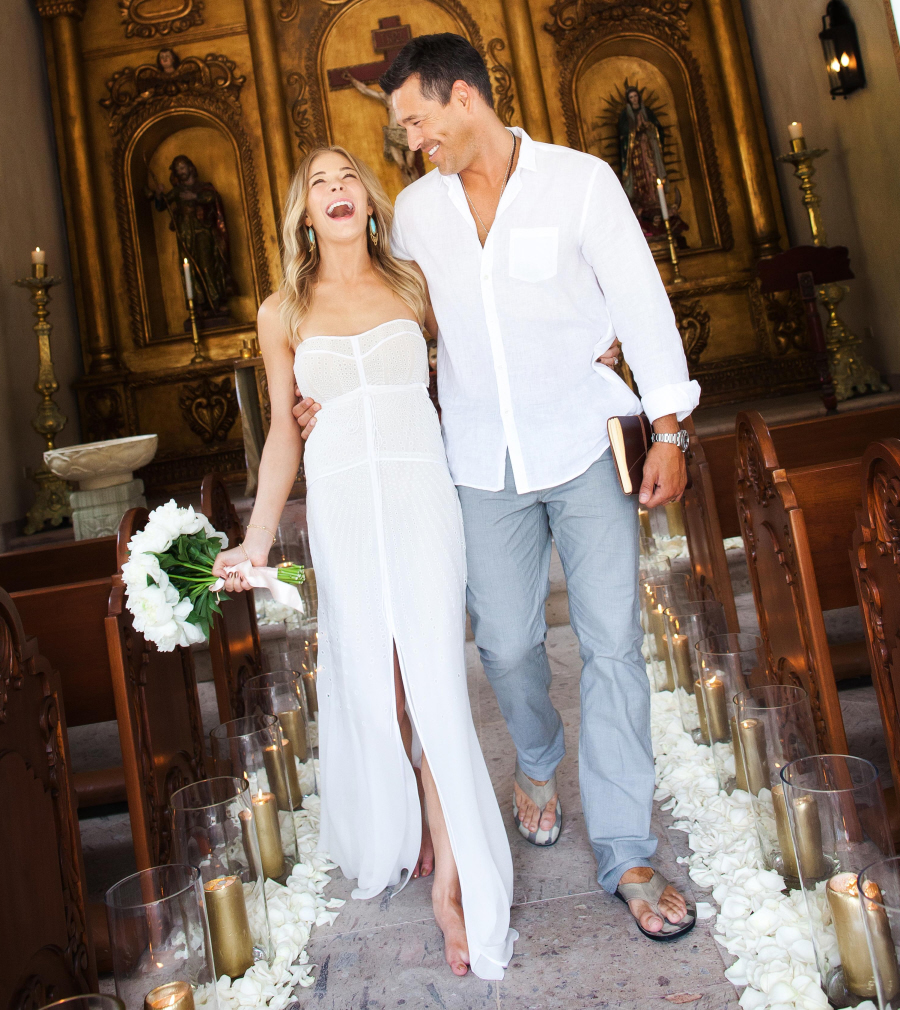 Where did leann rimes renew her vows pic included for Dress for wedding renewal ceremony