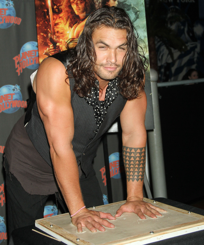 Jason Momoa Claims He Doesn't Own A TV Or
