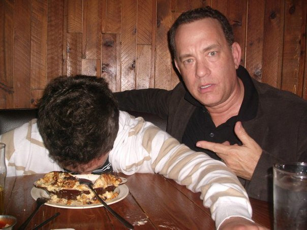 "Cele|bitchy | Tom Hanks happily poses with a ""drunk"" fan ..."