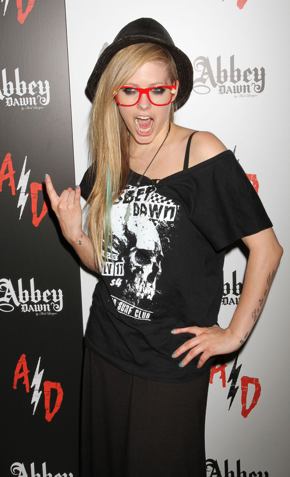 celebitchy avril lavigne engaged to chad kroeger of