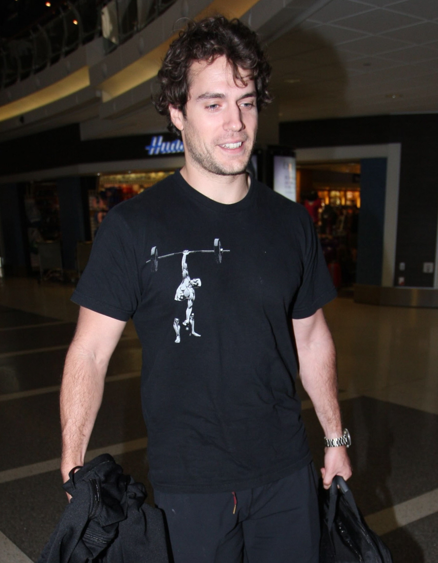 Cele Bitchy Henry Cavill With Unruly Curly Hair