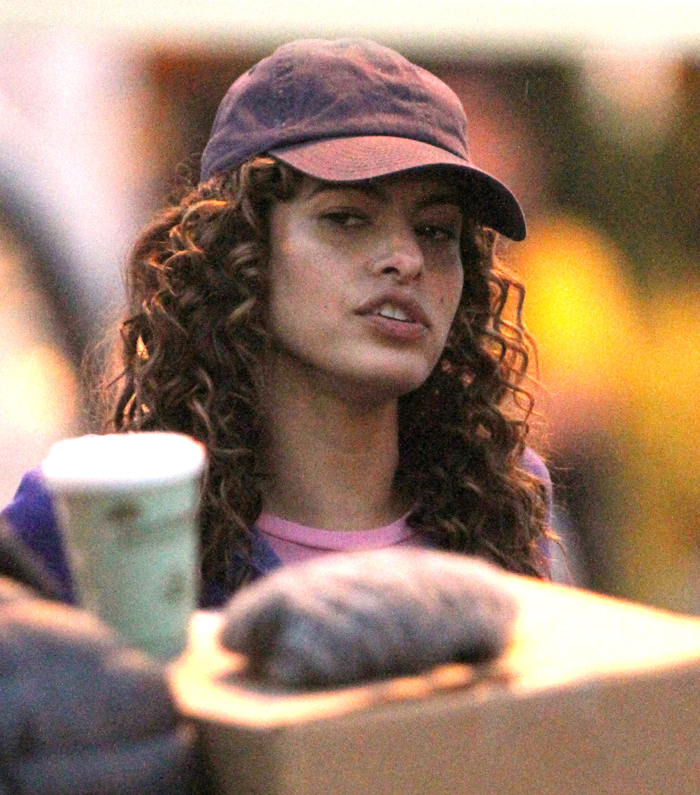 GAY ENTERTAINMENT CHANNEL ? Eva Mendes debuts her curly locks on set with ...