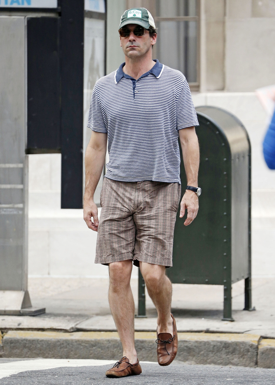 Men Going Commando In Shorts Celebitchy star: jon hamm's horrible ...