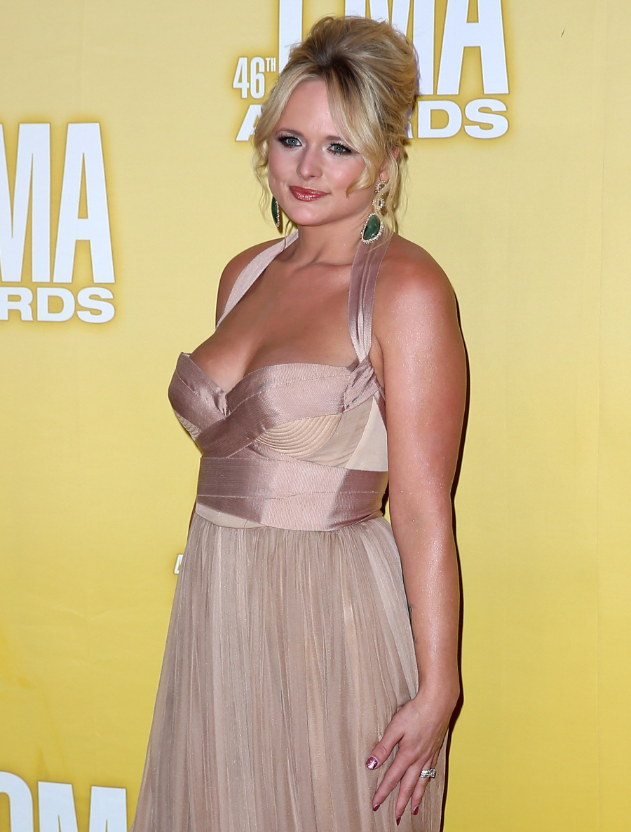 Miranda Lambert In A Hohan Pageant Dress At The Cmas Unflattering Or