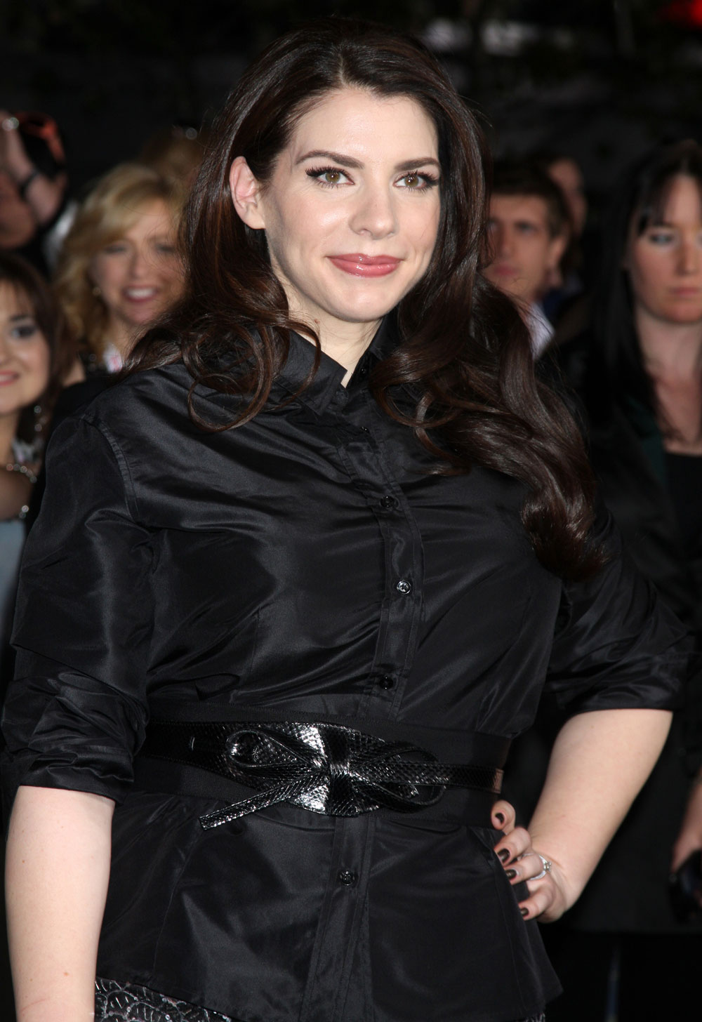 stephenie meyer writing style Writing style edit novelist orson scott card said, stephenie meyer writes with luminous clarity, never standing between the reader and the dream they share she's the real thing ~ stephenie meyer - wikipedia.