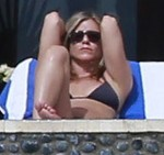 FFN_Aniston_Jennifer_FF12_122912_50979421