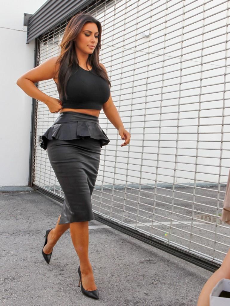 FFN_Kardashians_MiamiPIXX_BRJ_121212_50968753