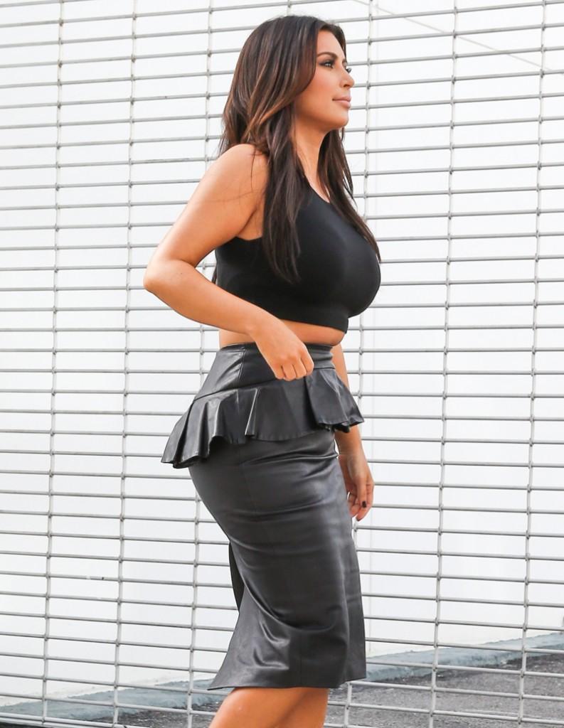 FFN_Kardashians_MiamiPIXX_BRJ_121212_50968889