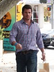 Exclusive... Nick Lachey Grabs Some Lunch