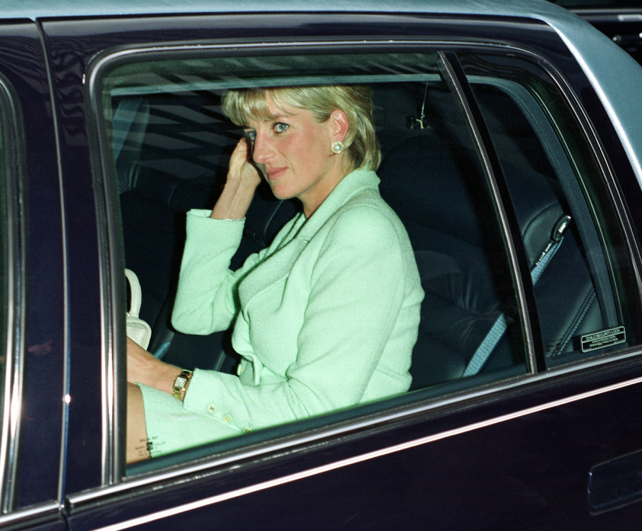 the violent and shocking death of princess diana The princess diana death film showing previously unseen photographs of princess diana in the car crash will be swift and violent when.