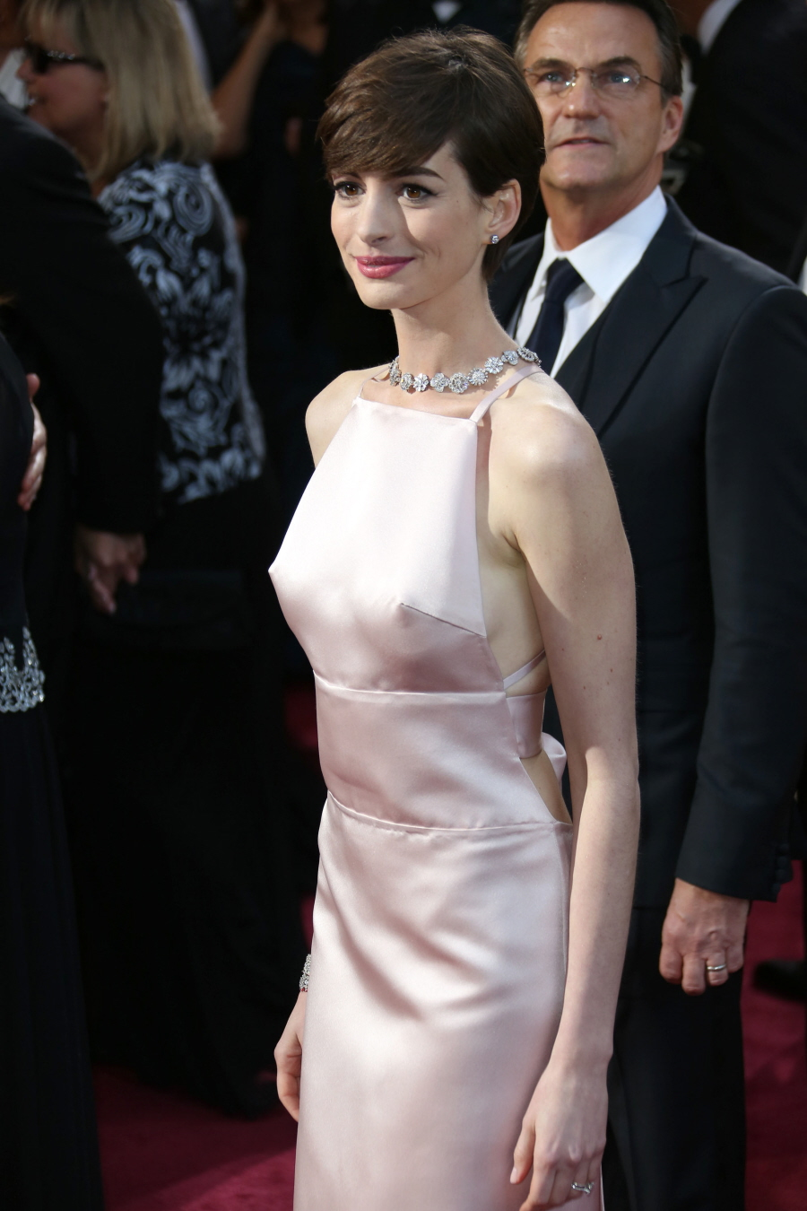 prada purse leather - Cele|bitchy | Anne Hathaway in pale pink Prada at the Oscars ...