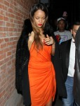 FFN_Rihanna_THUMBS42_021413_51015395