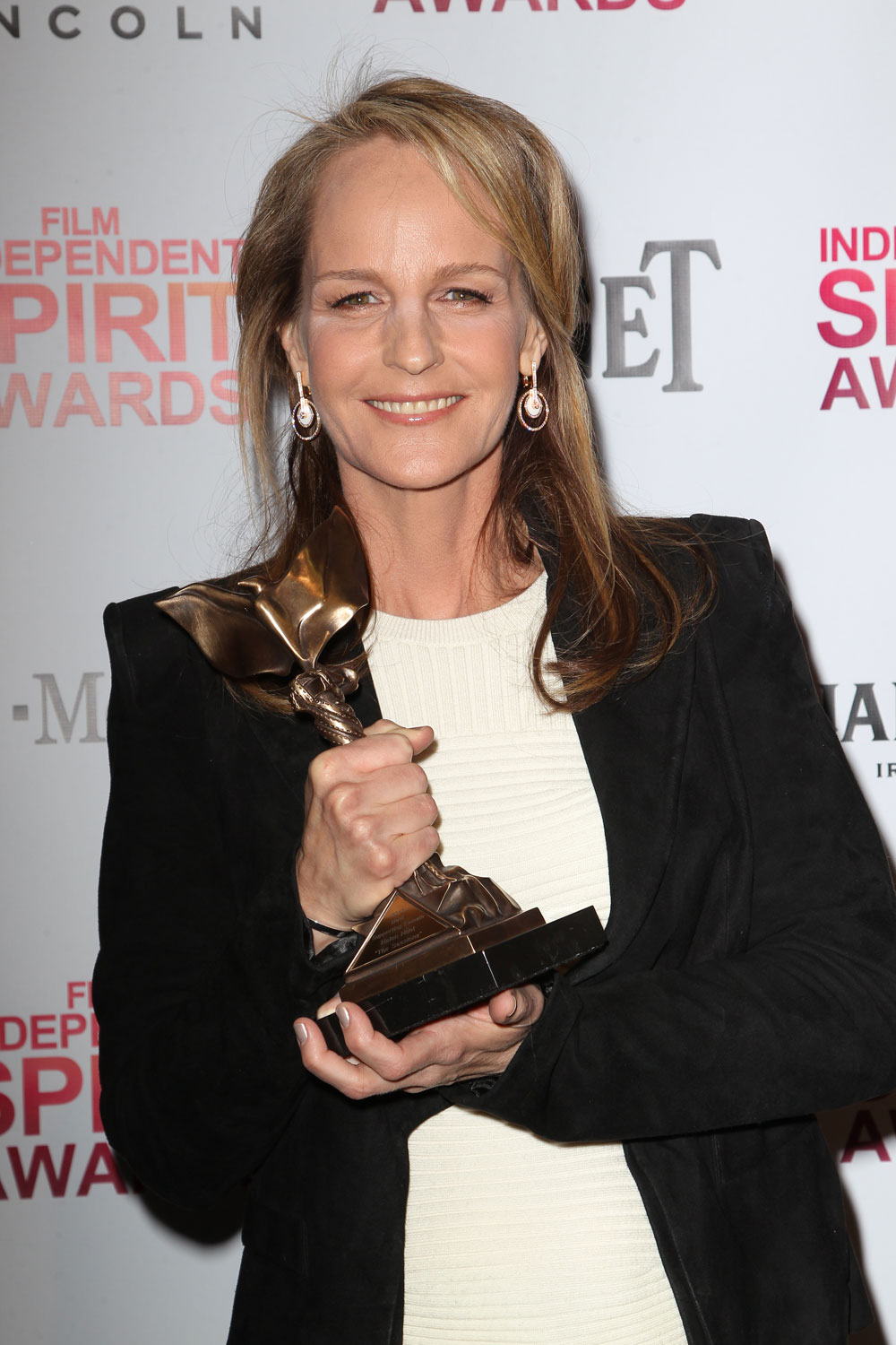 Helen Hunt Pantsuit Victorious The Spirit Awards Cool And