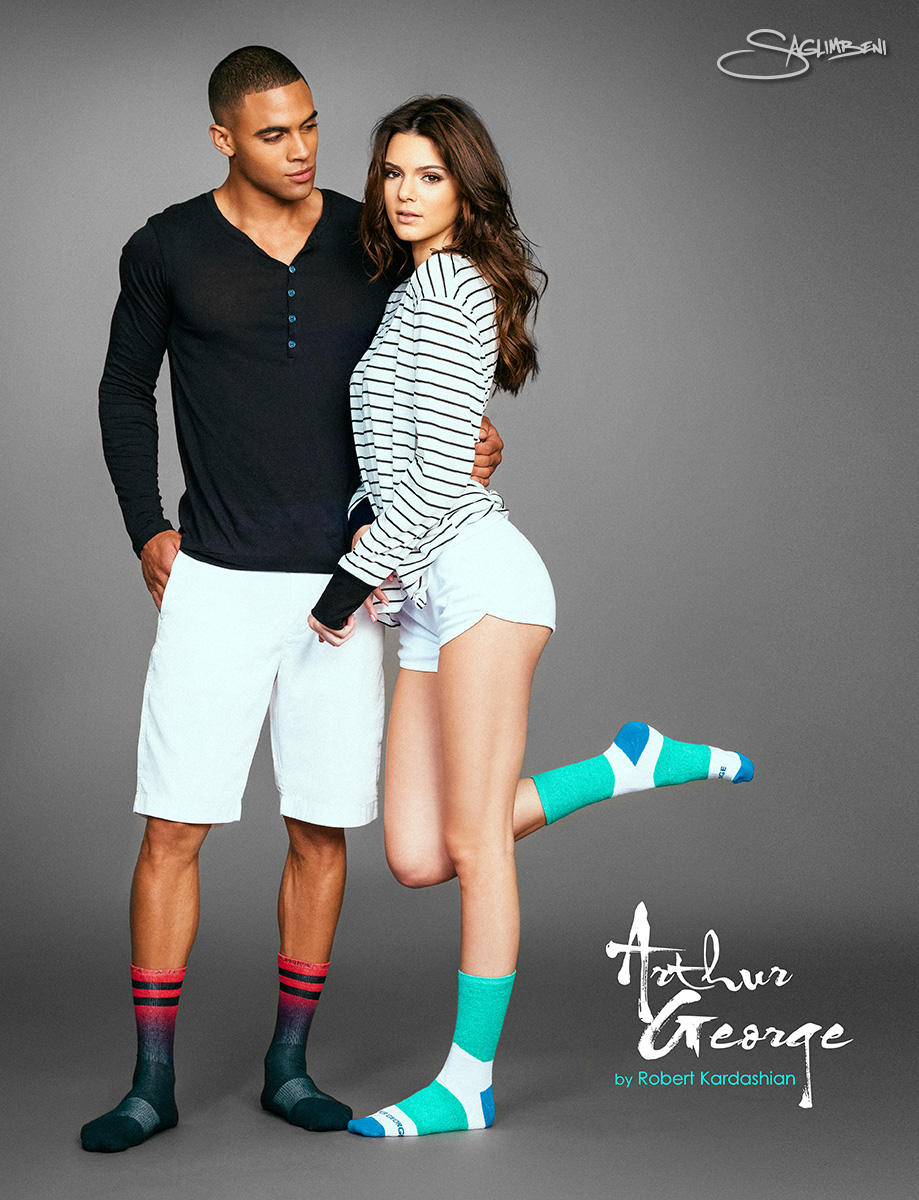 Kendall Jenner, 17, models Rob Kardashian's latest sock collection ...