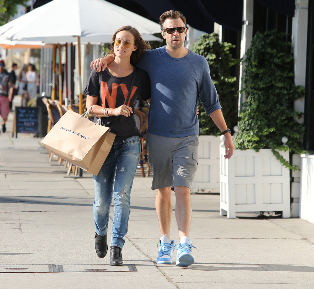 celebitchy olivia wilde gushesworries about jason