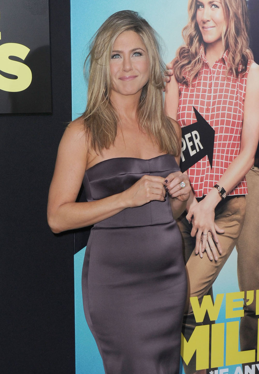 Cele Bitchy Jennifer Aniston In Burberry At We Re The