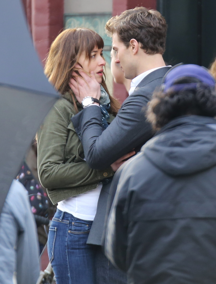Cele bitchy dakota johnson jamie dornan film more 50 for Movie the fifty shades of grey