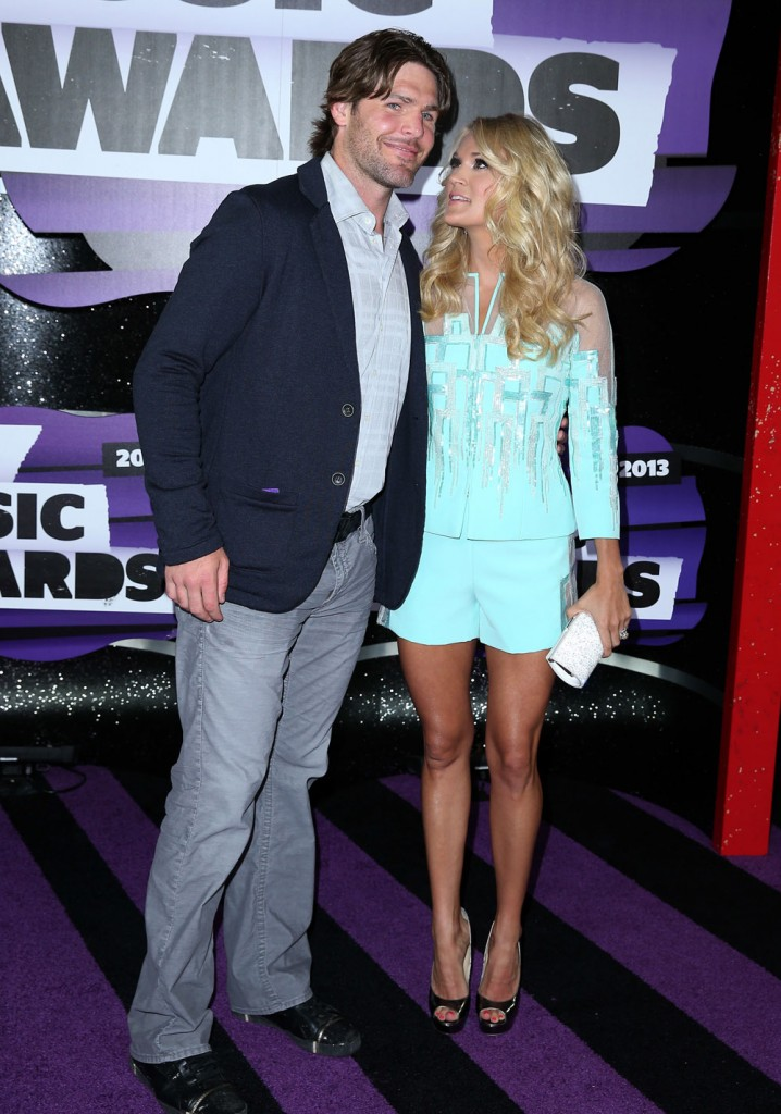 Cele bitchy star carrie underwood s marriage on the for Who is carrie underwood married too