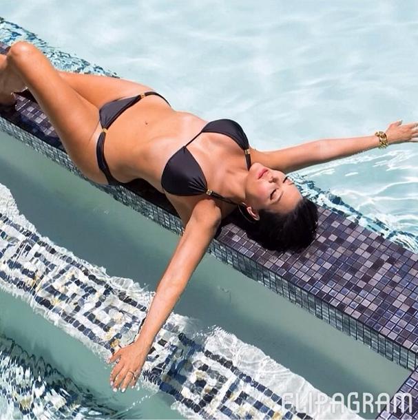 Kris Jenner Instagrams Bikini Photo Of